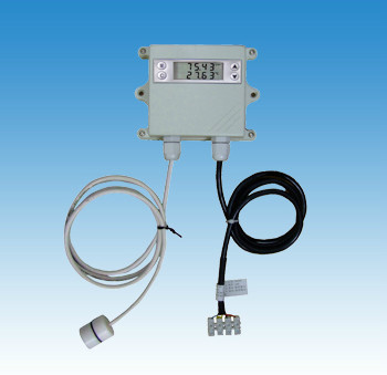 Outdoor temperature and humidity measurements with a special split display temperature and humidity transmitter