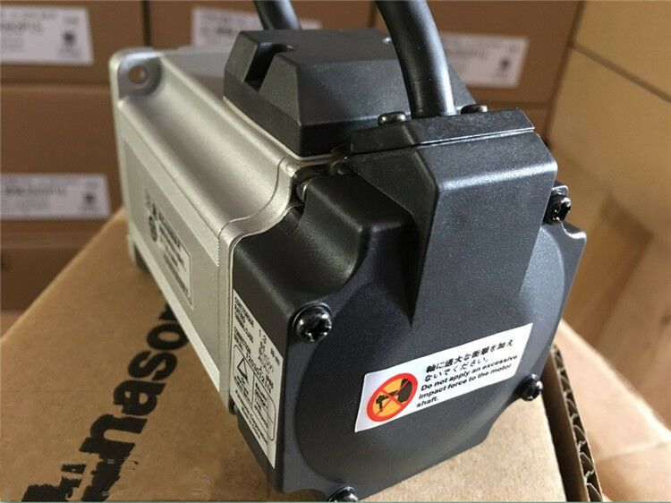 NEW IN BOX PANASONIC AC SERVO MOTOR MSMD042S1A FREE EXPEDITED SHIPPING
