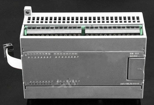 EM223 Digital input/output modules 1BF22/1HF221BH22/1PH22/1BL22/1PL22-0XA0 used for  S7-200 PLC 24VDC